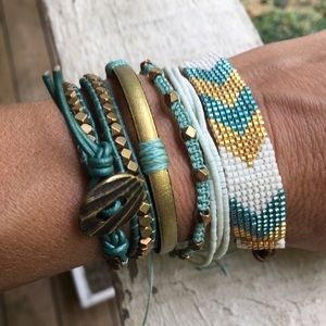 Jewelry - Beautiful Teal, Gold & White Layering Bracelets